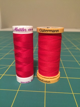 Side by side comparison of Mettler silk finish and Gutermann